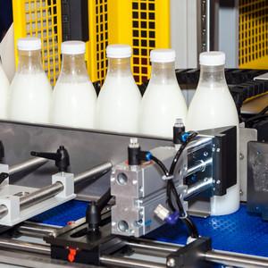 Milch-Abfüllanlage